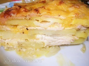 готовая запеканка с курицей и сыром