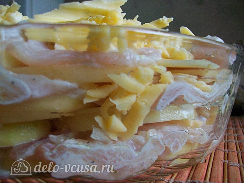 укладыаем мясо, картошку и сыр слоями