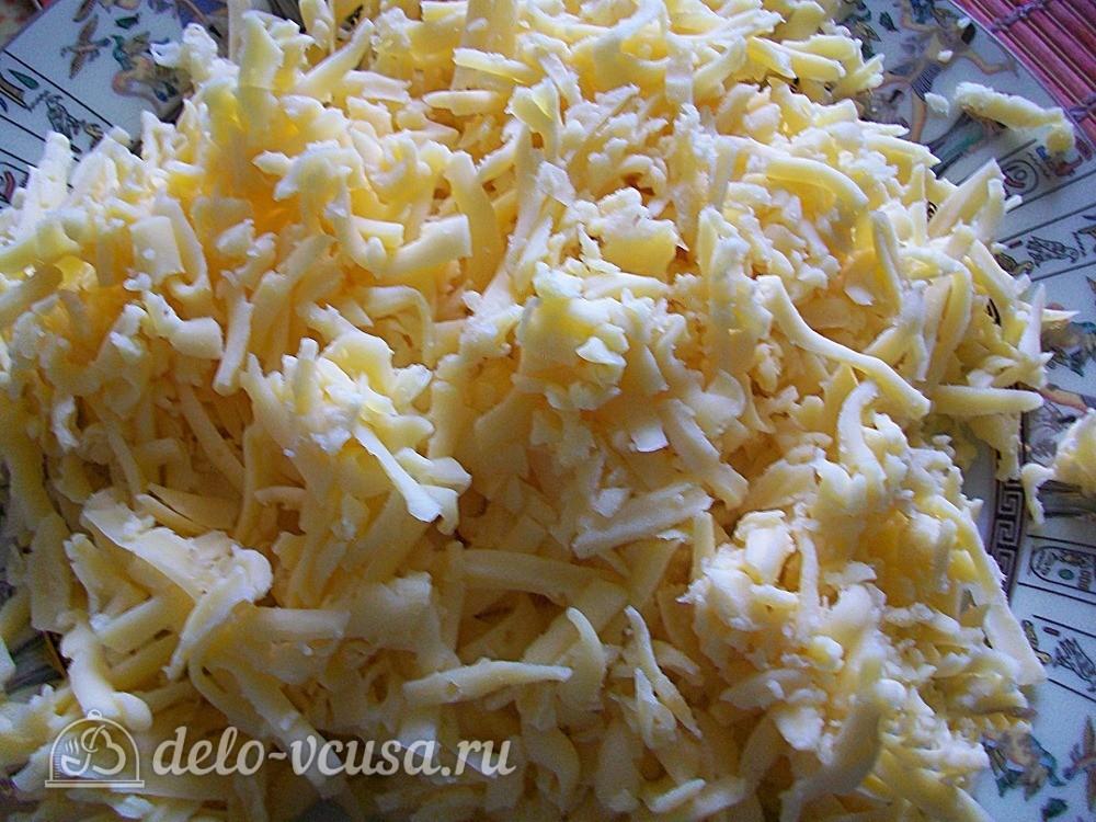 Твердый сыр трем на крупной терке