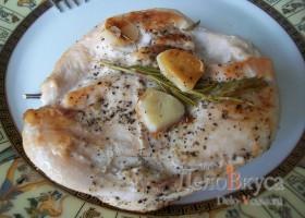 Куриное филе с розмарином и чесноком
