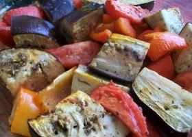 Баклажаны, томаты и перцы запеченные в духовке