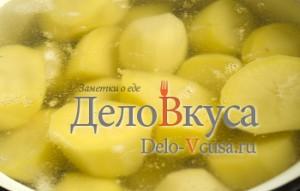 Пюре из картошки со сливками: Картошку кладем в кипяток