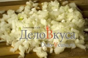 Вареники с картошкой: Репчатый лук мелко покрошить