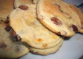 творожные печенья с изюмом