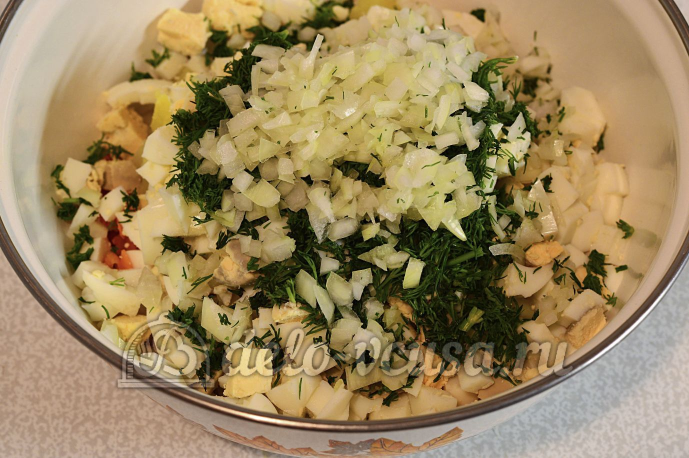 Салат из рыбной консервы пошаговый рецепт