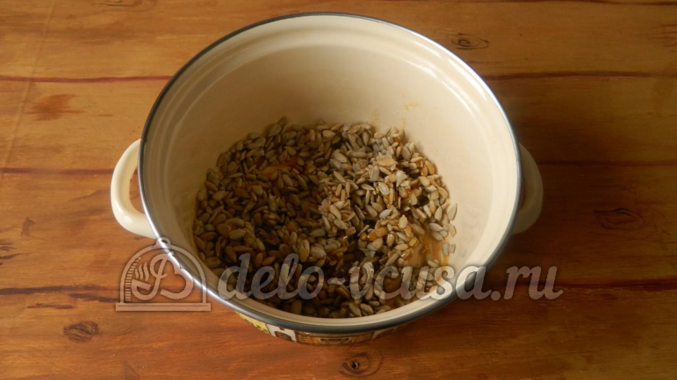 Как очищают семечки от шелухи, чистим семечки быстро - Wday 6
