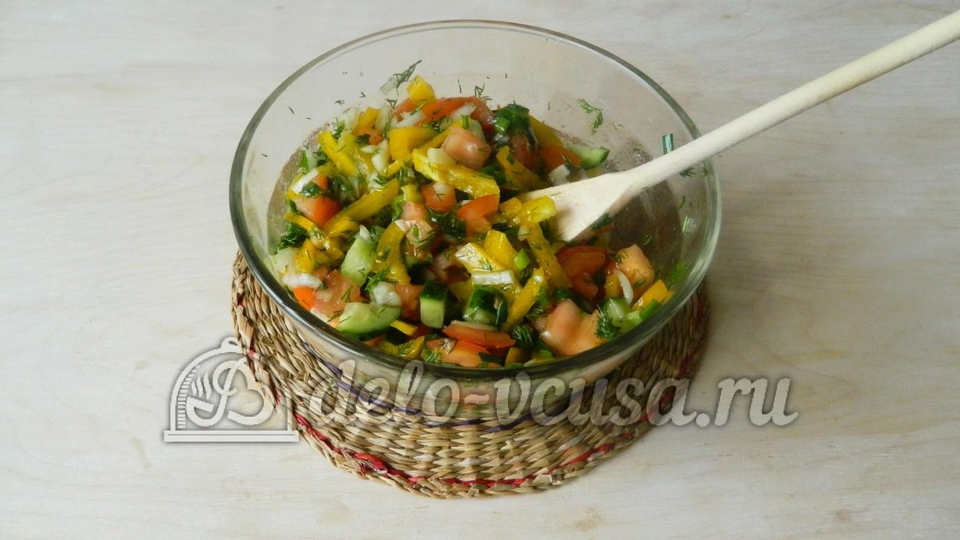 Заготовка в зиму салат из огурцов и капусты