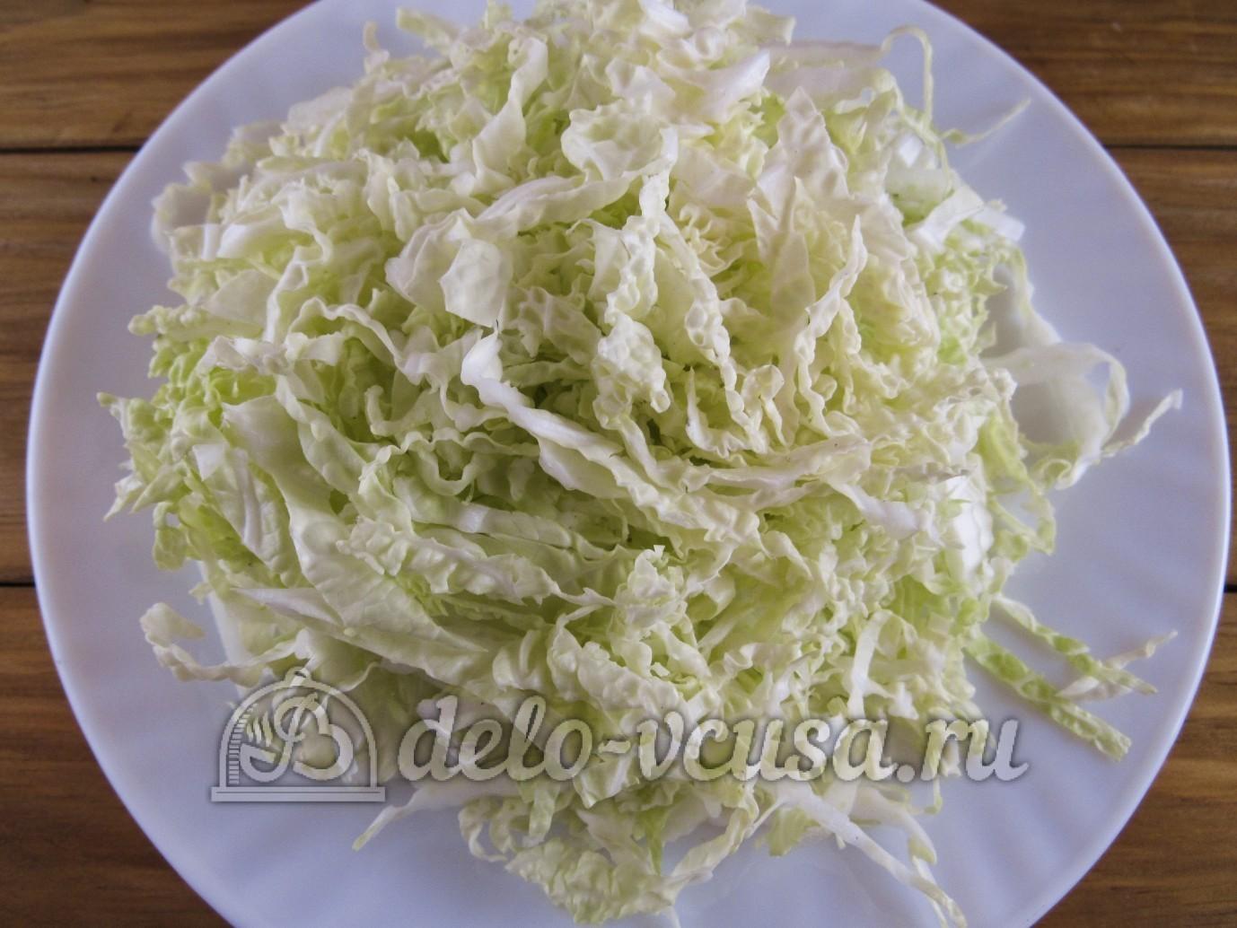 Салат из пекинской капусты и колбасыы с фото