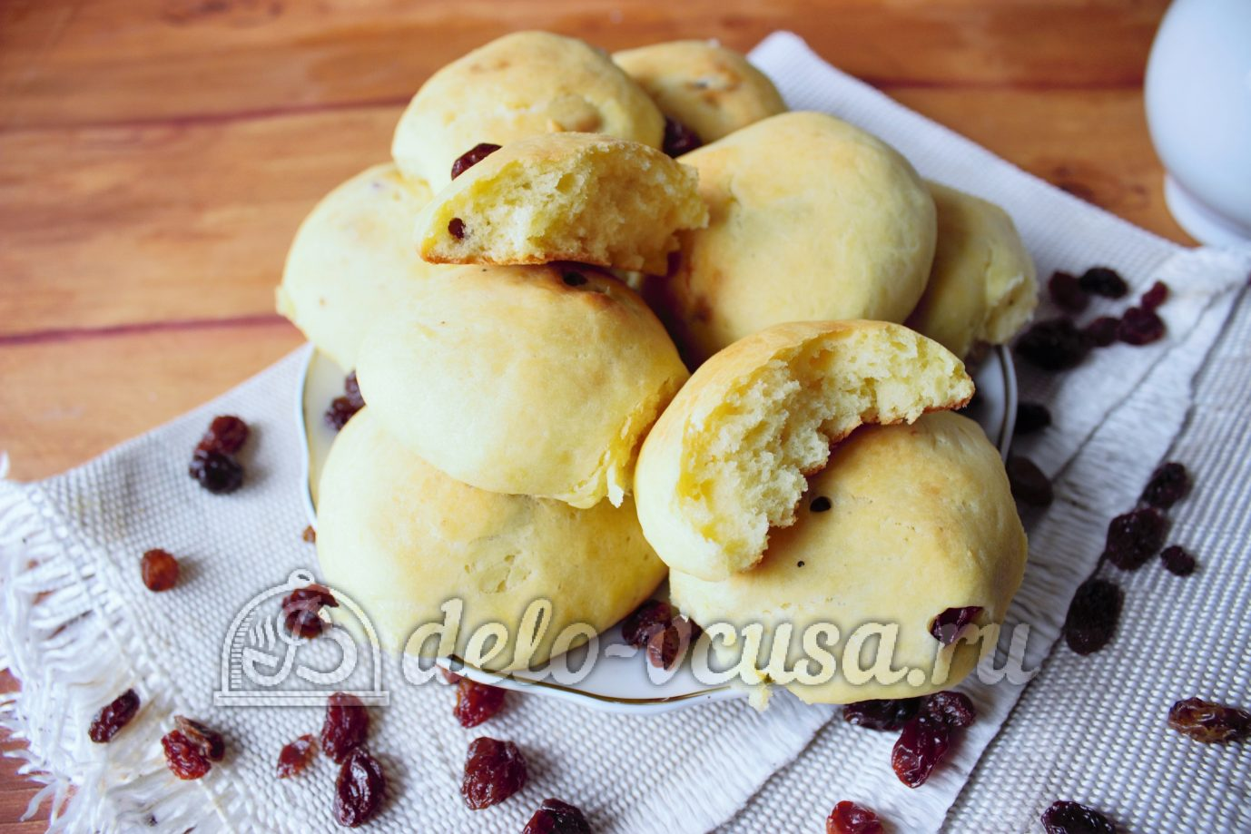 Дрожжевые булочки с изюмом пошаговый рецепт с фото