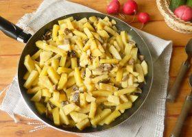 Жареная картошка с шампиньонами