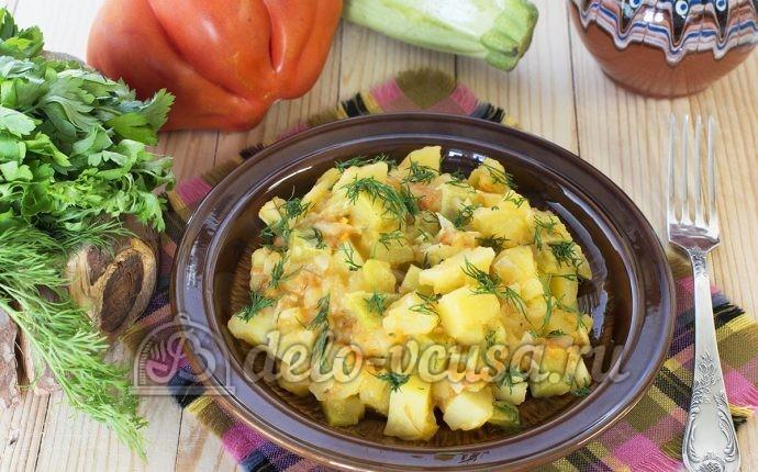 Приготовить овощное рагу с кабачками и картошкой