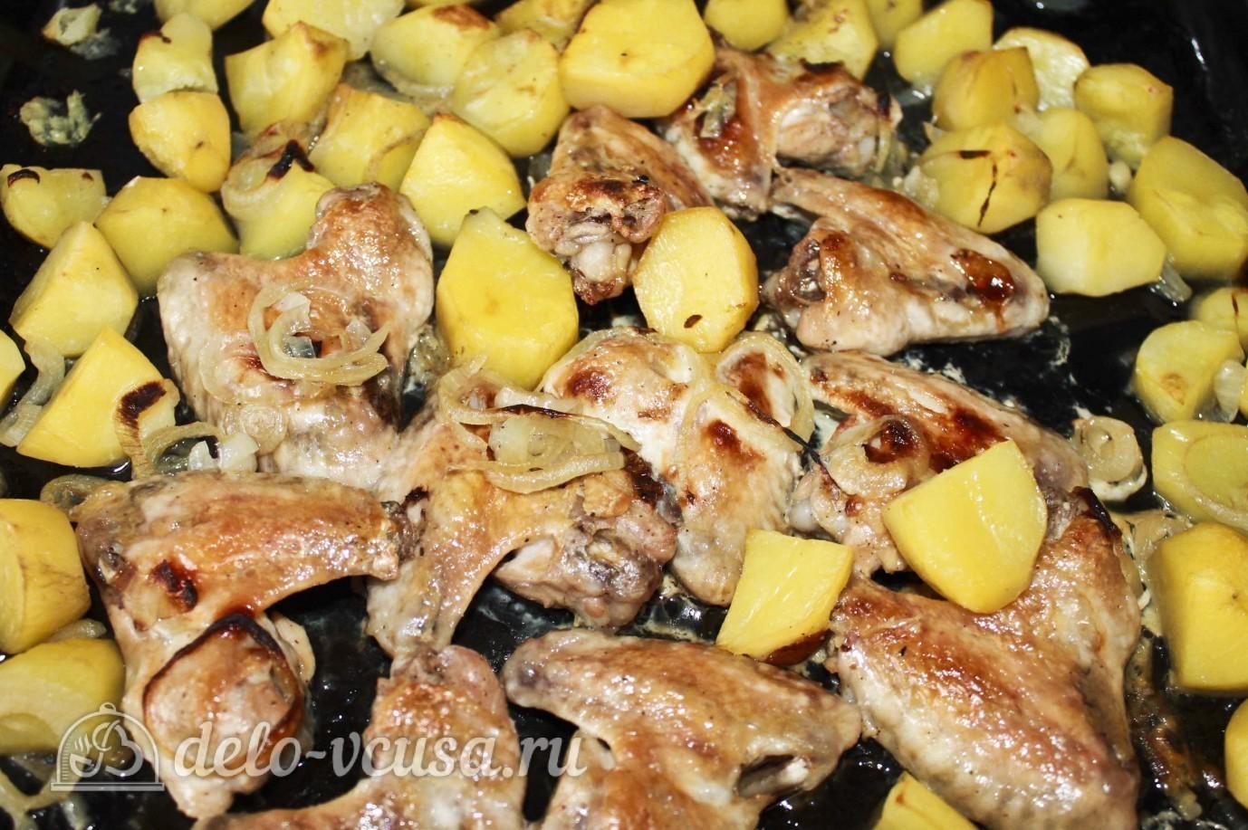 Как приготовить крылышки в духовке с картошкой пошагово