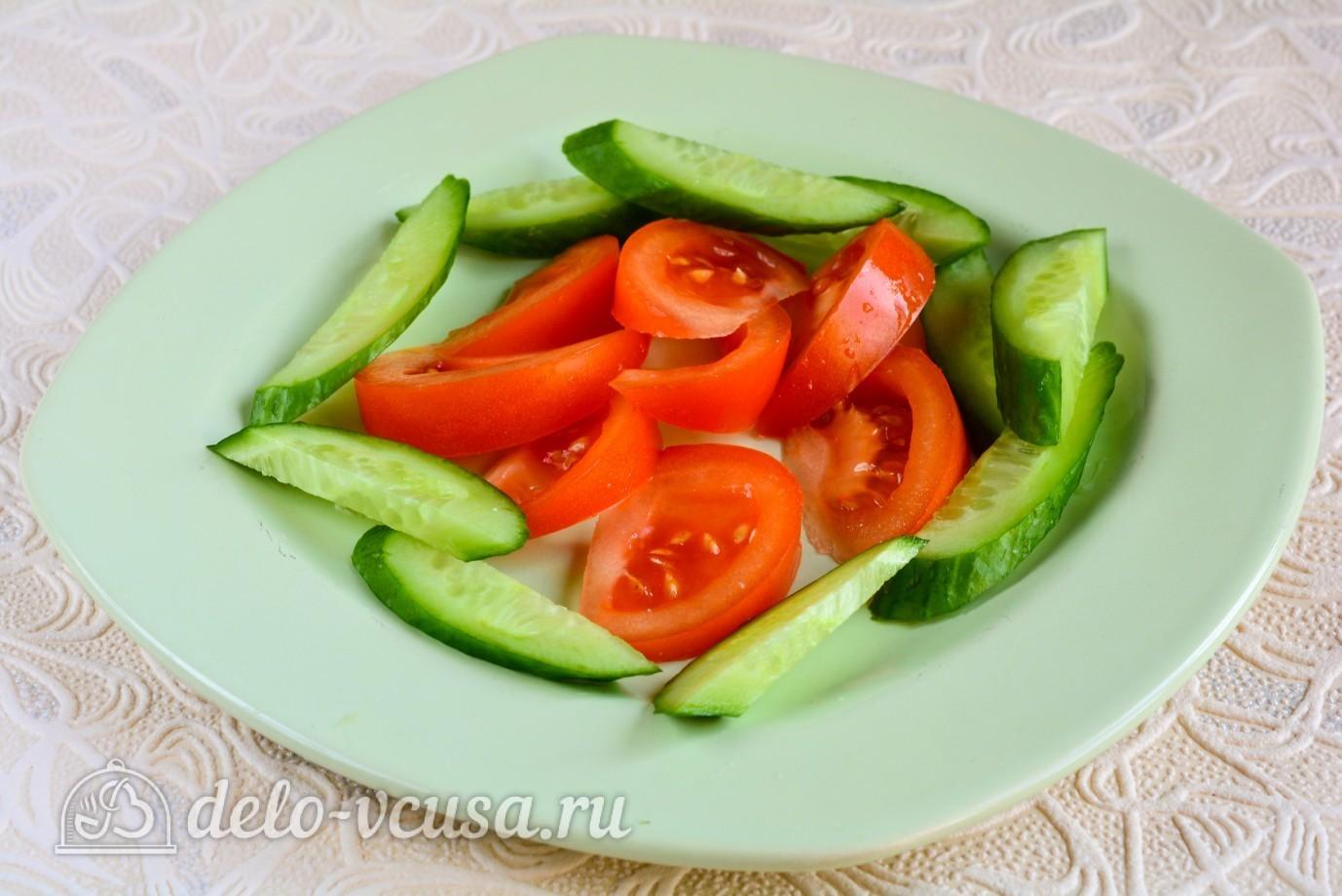 Крабовый салат с огурцом и сыром