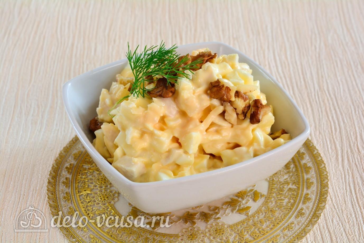 Салат с ананасами и курицей и грецкими орехами и грибами рецепт с в