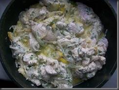 Куриное филе в сметане: Тушим до готовности