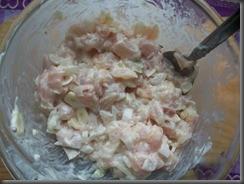 Жареная картошка с куриным филе: Смешать мясо с маринадом
