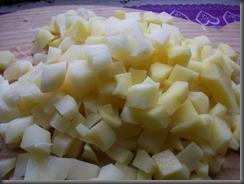 Жареная картошка с куриным филе: Картошку порезать кубиками