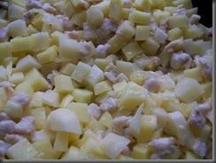 Жареная картошка с куриным филе: Перемешать картошку с мясом