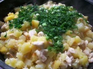 Жареная картошка с куриным филе: фото к шагу 13