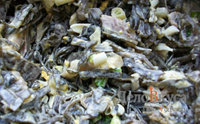 Салат из морской капусты и селедки