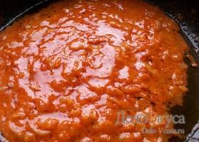 Сметанно-томатный соус с луком