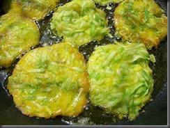 Драники из кабачков: Жарим драники на растительном масле