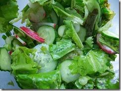 Салат из редиски и огурца: Все перемешать
