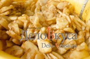 Яблочный пирог. Пирог с яблоками и творогом: фото к шагу 9