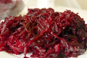 Салат из вареной свёклы: фото к шагу 3.