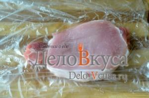Отбивные из свинины: Мясо кладем в кулек