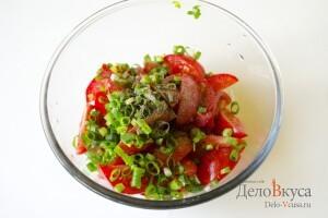 Салат из помидор (томатов) с бальзамическим уксусом: фото к шагу 6.