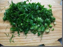 Вареная картошка: Зелень мелко покрошить