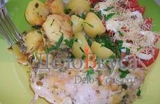Куриные рулетики с сырной начинкой запеченные с картошкой под сливочным соусом