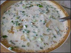 Сметанный соус с зеленью и жареным луком: фото к шагу 7