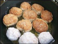 Котлеты из мясного фарша рецепт: фото к шагу 9.