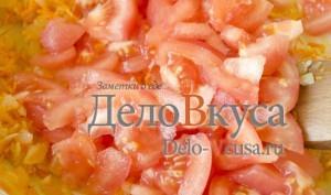 Томатный соус для тефтелей: Добавить томаты