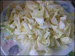 Оладушки с капустой, свининой и зеленью. Оладья с мясом и овощами: фото к шагу 1