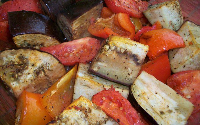 рецепт с печеными баклажанами и перцем