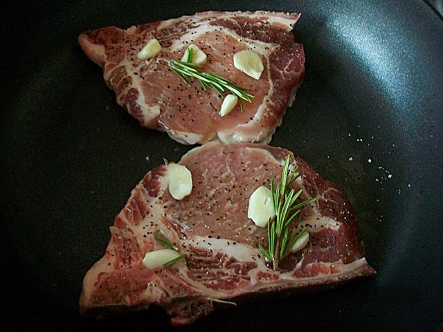 Мясо с розмарином рецепт