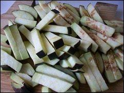 Картошка тушеная с индейкой и овощами: фото к шагу 4.