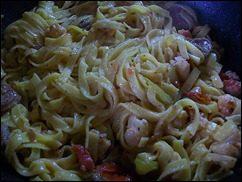 Паста с соусом из сальсичи и овощей: фото к шагу 13.