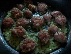 Паста с соусом из сальсичи и овощей: фото к шагу 6.