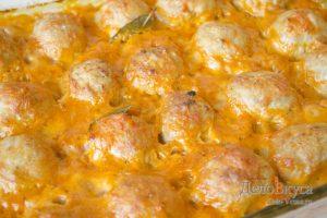 Тефтели в томатном соусе: Запекаем тефтели