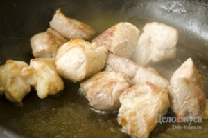 Тушеное мясо. Свинина тушеная с луком: фото к шагу 3