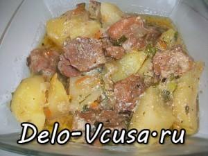 Картошка тушеная с мясом и сметаной