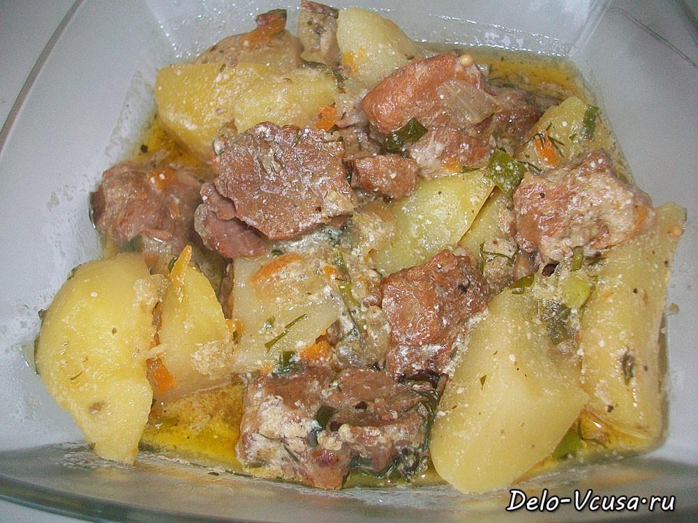 картошка с мясом тушеная со сметаной