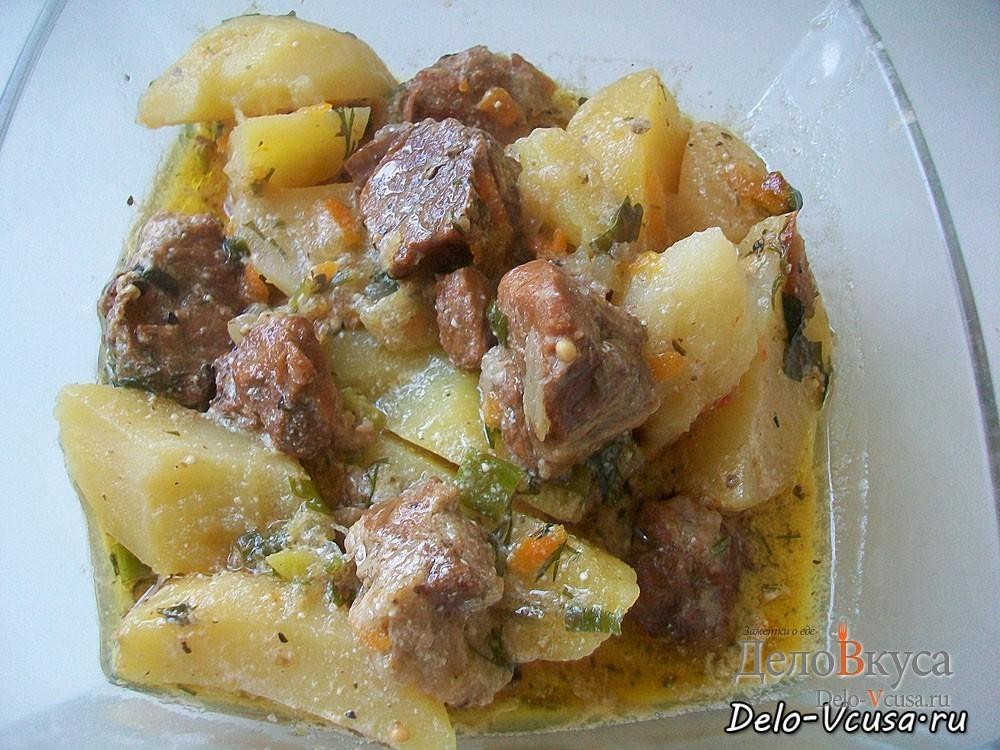 Картошка тушеная с мясом. Мясо тушеное в сметане с картофелем