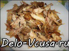 Острая картофельная запеканка с курицей, сосисками и перцем чили: фото к шагу 3.