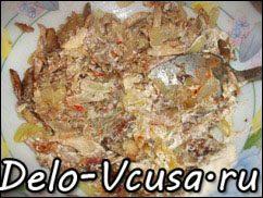 Острая картофельная запеканка с курицей, сосисками и перцем чили: фото к шагу 7.