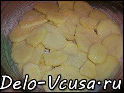 Острая картофельная запеканка с курицей, сосисками и перцем чили: фото к шагу 11.